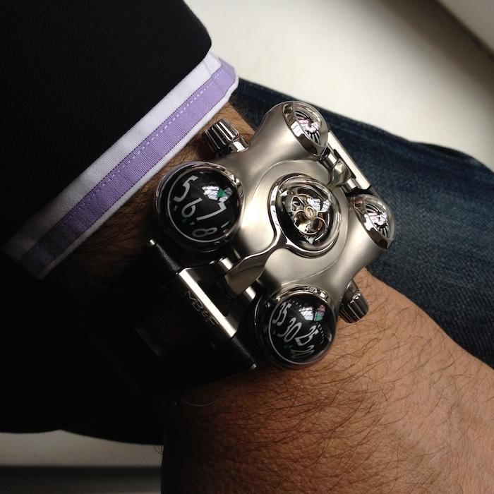 Часы космического пирата «HM6»
