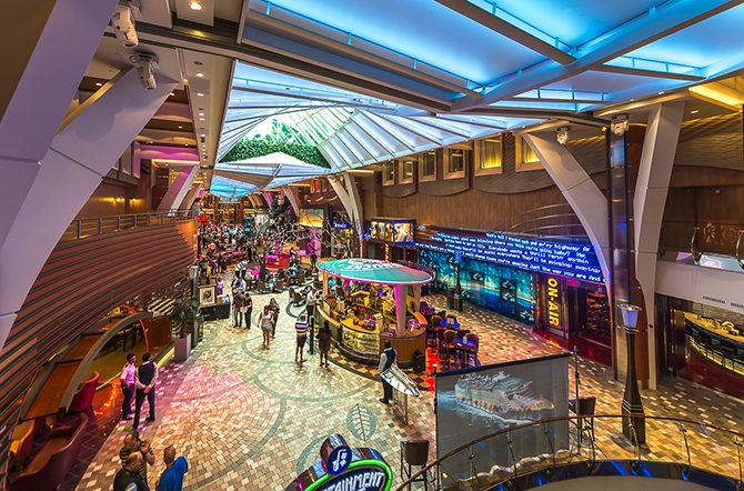 samyj bolshoj kruiznyj lajner allure of the seas 30