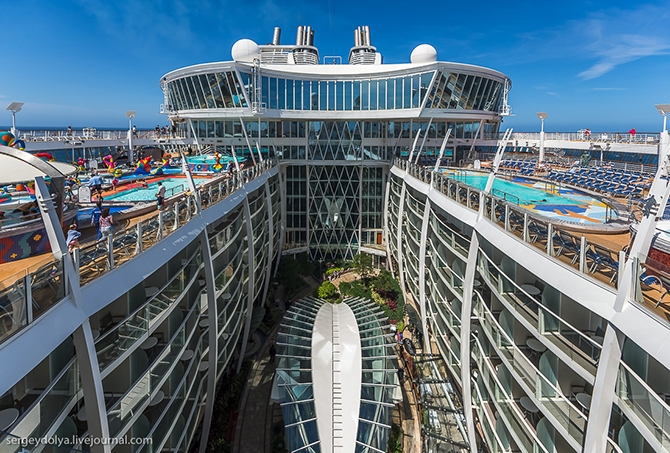 samyj bolshoj kruiznyj lajner allure of the seas 8
