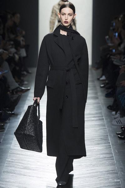 nedelya mody v milane bottega veneta osen zima 2016 17 12