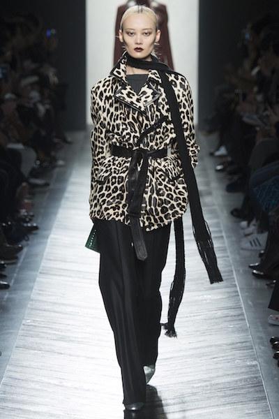nedelya mody v milane bottega veneta osen zima 2016 17 16