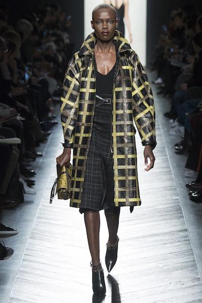 nedelya mody v milane bottega veneta osen zima 2016 17 23