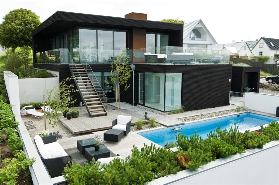 Фото небольших домов с бассейном