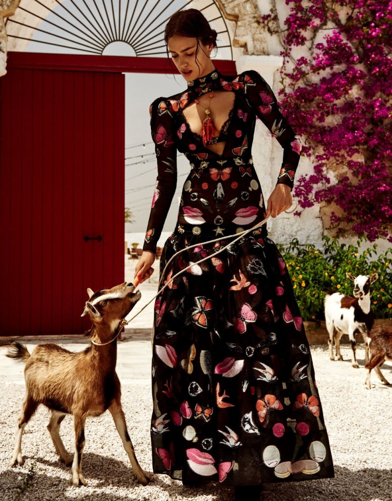 irina shayk smouldering shoot italy vogue japan 13
