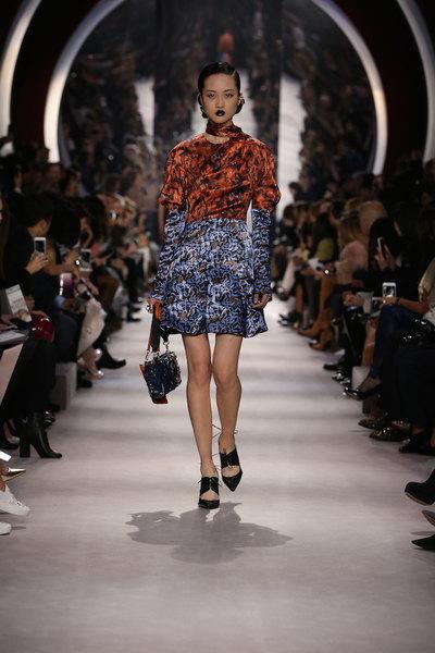 nedelya mody v parizhe christian dior osen zima 2016 2017 28