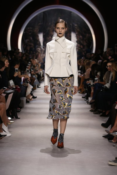 nedelya mody v parizhe christian dior osen zima 2016 2017 8