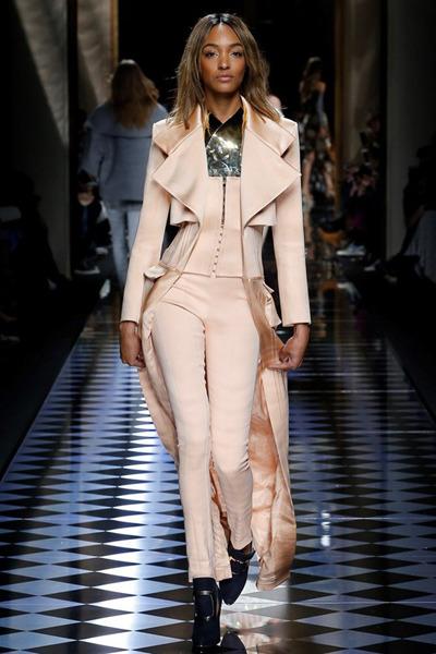 nedelya mody v parizhe shou balmain 16