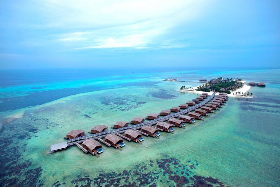 otel na solnechnykh batareyakh na maldivakh 1 892x595