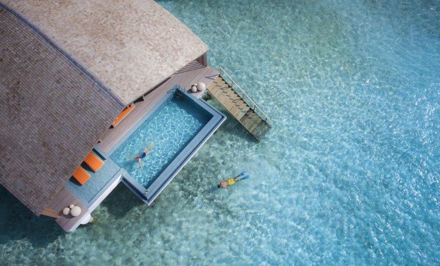 otel na solnechnykh batareyakh na maldivakh 2 892x540