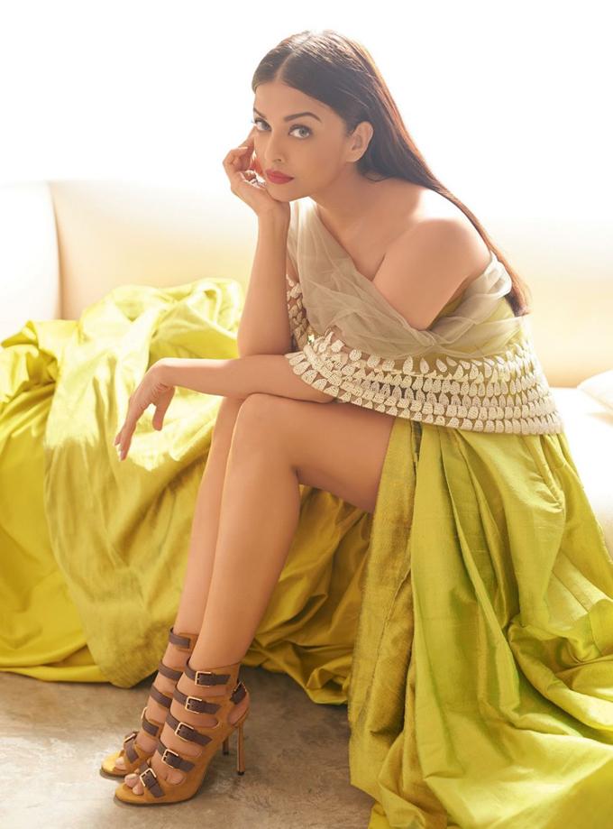 Aishwarya Rai Bachchan Harpers Bazaar India 3