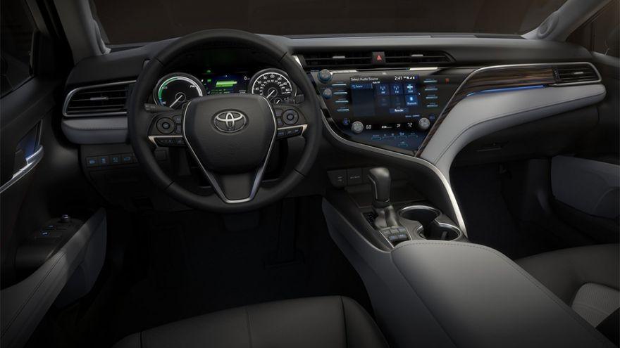 Toyota Camry 7