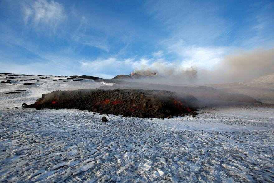 izverzhenie vulkana etna 11