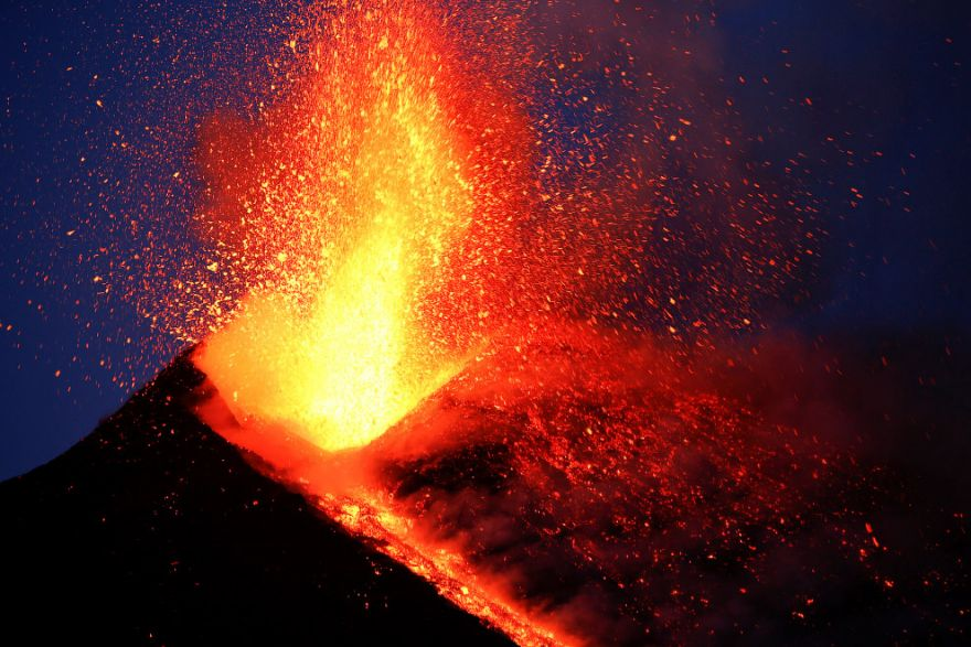 izverzhenie vulkana etna 15