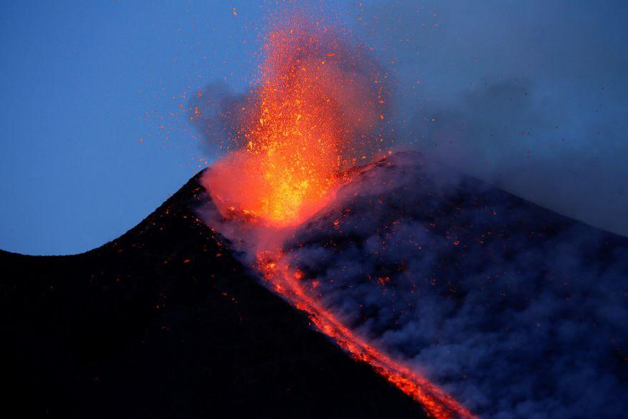 izverzhenie vulkana etna 5