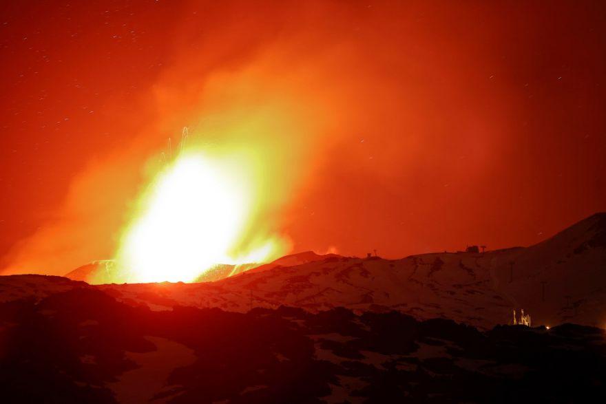 izverzhenie vulkana etna 7