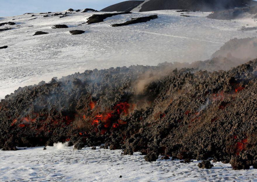 izverzhenie vulkana etna 9