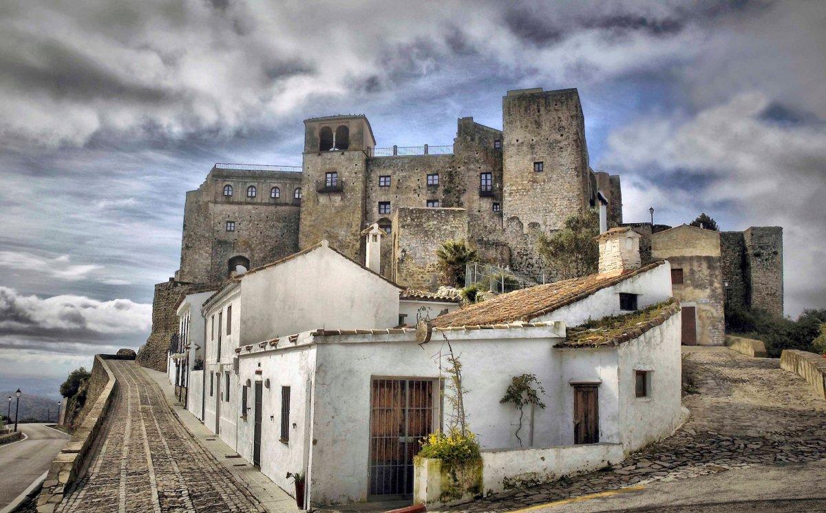 19 castle 1
