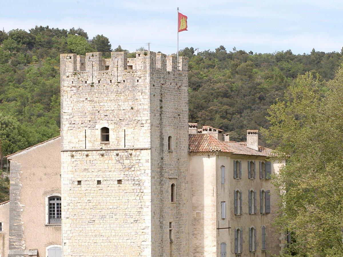 19 castle 8