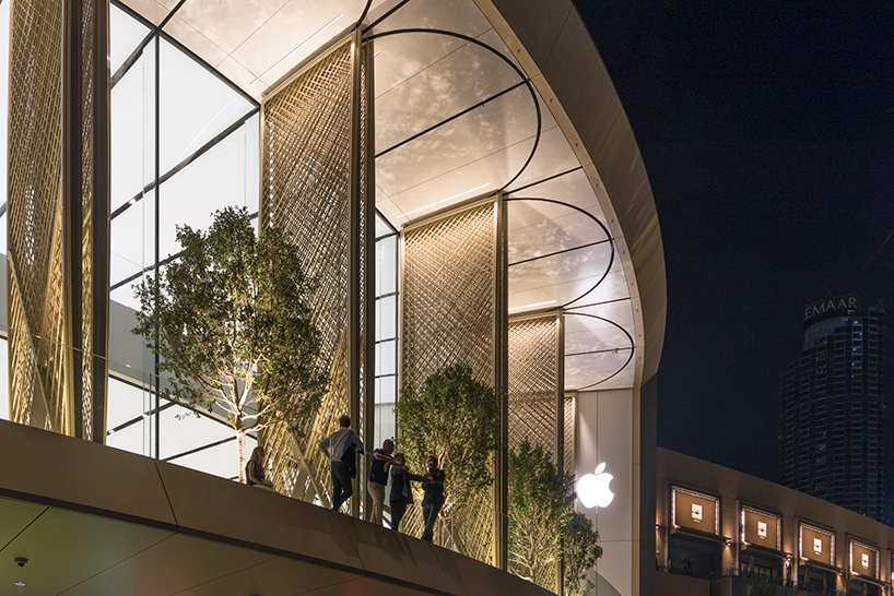 apple dubai mall 2